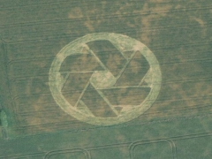 Crop circle : triangle (Crop circle) - cache image
