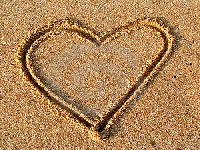 Heart in sand (Look Like) - similarity