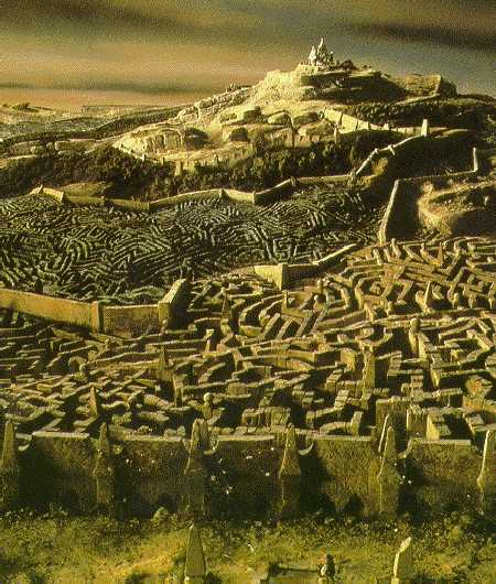 Labyrinth (Construction) - similarity image