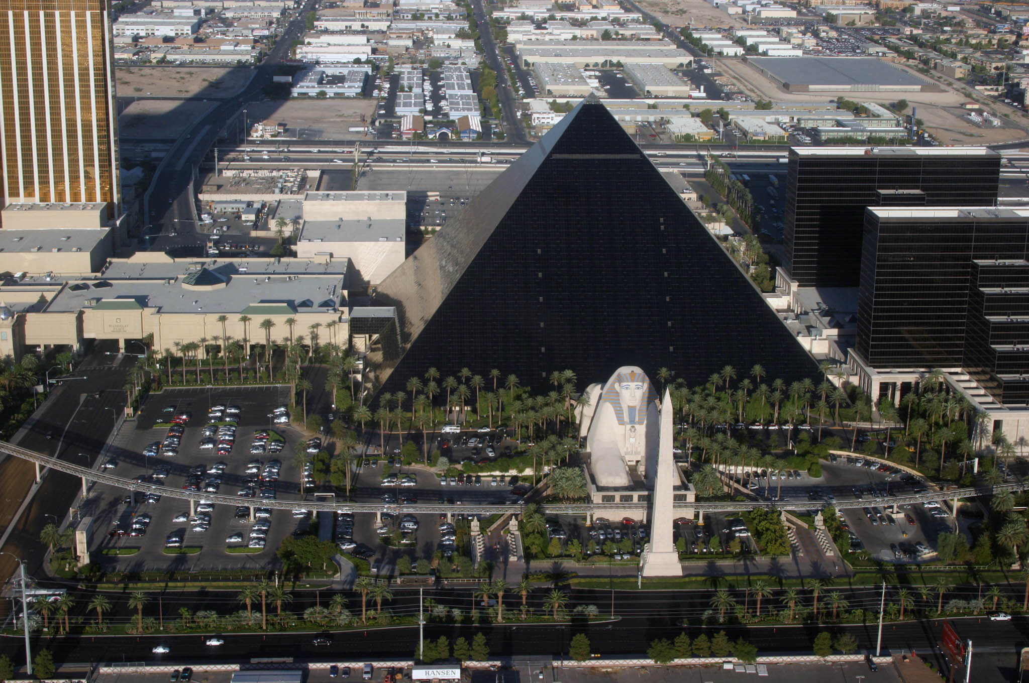 Luxor Las Vegas: 10 Crazy Facts About The Pyramid Hotel ...