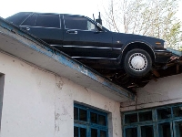 Car on roof (Transportation) - similarity